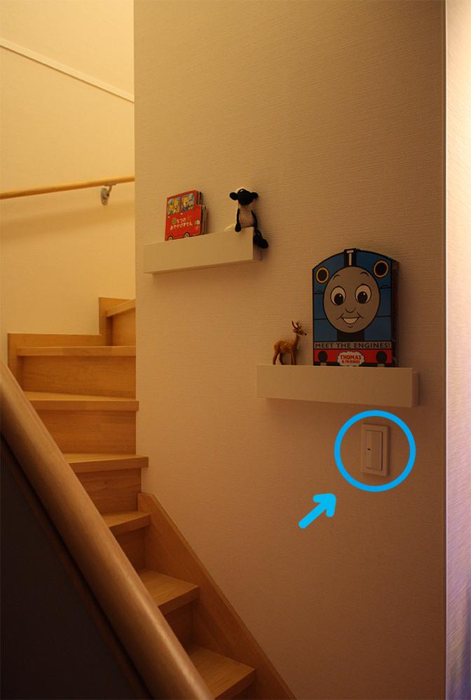 階段夜4(矢印あり)