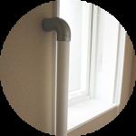 【WEB内覧会10】カラークロスのシンプルモダンなトイレ1階(中編)〜白い棚と設備