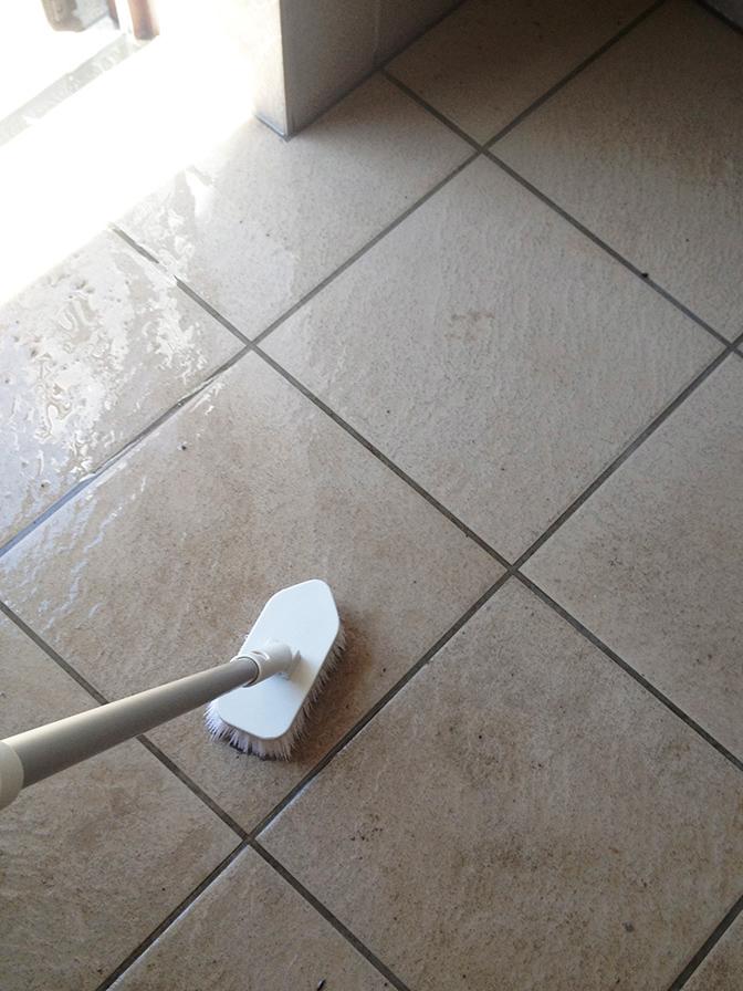 玄関掃除6