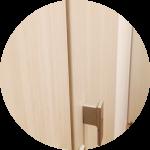 【一条工務店二年訪問後の補修01】階段下収納のドア反り返りの対応〜実は我が家の建築後、ドアの見えない部分の仕様変更があったらしい。