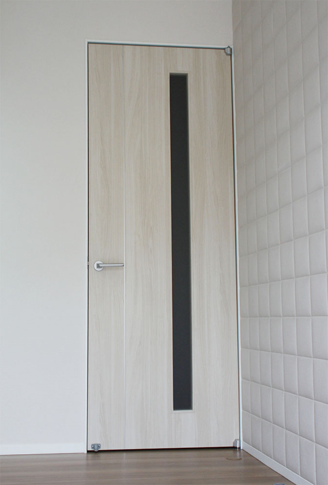 玄関室内ドア