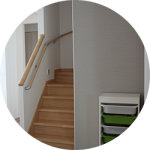 【WEB内覧会15】家族と共に変化する階段横スペース(前編)〜クロスと照明