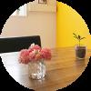 ダイニングテーブルにラナンキュラス飾った写真 一条工務店 i- smart アイスマート ラナンキュラスエレガンスサーモン 国華園